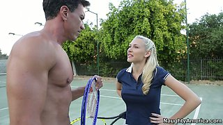 Steamy blondie Katie Summers gives a head to meety dick outdoors