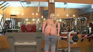 Gym MILF is a real Slut